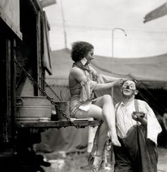 circus people doing their clown makeup and preparing for the show .another opening at roll up circus , side show and carnival Cirque Vintage, Vintage Circus Photos, Vintage Clown, Vintage Photographs, Vintage Circus Performers, Old Circus, Circus Clown, Night Circus, Circus Book