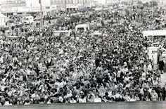 Thousands of people attempt to form the world's biggest conga line in 1979