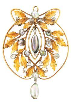 Art Nouveau Gold, Grey Freshwater Pearl and Diamond Pendant-Brooch, Circa 1900.