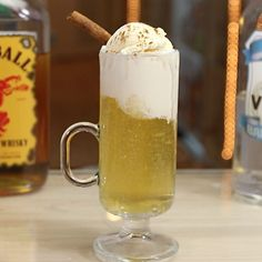 Recipes Archive - Page 8 of 195 - Tipsy Bartender Christmas Cocktails, Fun Cocktails, Fun Drinks, Thanksgiving Drinks, Vanilla Vodka, Vanilla Ice Cream, Best Cocktail Recipes, Drink Recipes, Apple Pie Sangria
