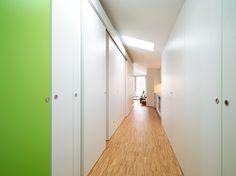 #Einbaumöbel #Einbauschrank als #Trennwand © www.buchenblau.de