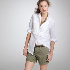 jcrew-greenshorts Safari Chic, J Crew Style, Boyfriend Shorts, Neutral Colour Palette, Travel Style, Stylish, Clothes, Outfits, Color