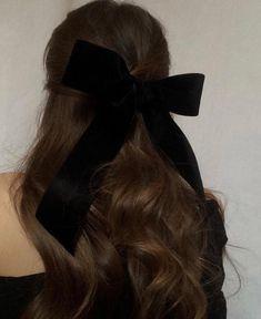 Paris, Prada, Pearls, Perfume - New Site Coiffure Hair, Hair Day, Pretty Hairstyles, 90's Mens Hairstyles, Hair Looks, Her Hair, Hair Inspiration, Curly Hair Styles, Hair Cuts