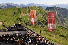 Oberstdorfer Musiksommer  Vom 25. Juli bis 16. August 2013 Begeisternde Konzerte an historischen wie originellen Spielplätzen in Oberstdorf und der Region.
