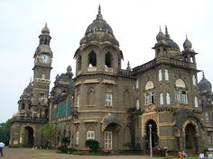 The #Kolhapur New Palace. Home to the living descendants of Chatrapati Shahu Maharaj. Awesom place to see in #kolhapur.. Like & Pin This Image http://bit.ly/1unn5v4