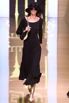 Valentino Fall 2002 Ready-to-Wear Fashion Show - Valentino Garavani, Diana Gärtner