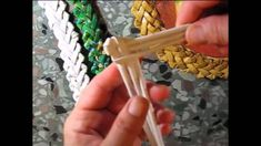 Weaving of the pattern 'sharp toother' herring bone with six tips. Part 3