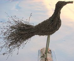 Billedresultat for risuista tehtyä Garden Deco, Garden Yard Ideas, Garden Projects, Garden Art, Garden Plants, Environmental Sculpture, Straw Art, Willow Weaving, Nature Crafts