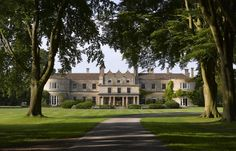 Rooms & suites at Lucknam Park Hotel & Spa. With a Michelin-rated restaurant, acclaimed spa and of picturesque gardens and woodland in Wiltshire, Lucknam Park hotel is a grande country pile that has it all. Spa Hotel, London Hotels, Villas, Chateau Hotel, Country House Hotels, Country Houses, Great Hotel, Stay The Night, Jane Austen