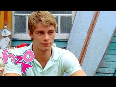 Frustrated by the water tentacle's constant attacks on them, Rikki travels to Mako Island at the full moon in order to confront it. H2o Mermaids, Mermaids And Mermen, Moon Pool, Luke Mitchell, Ordinary Girls, Full Episodes, Season 3, Dark Side, The Darkest