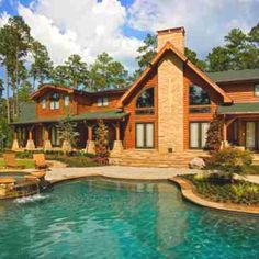 20 Loghouses you'd love to live in-   East Texas: www.avcoroofing.com Contact us if you want an A+ roofing company!