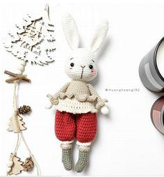 Crochet Animal Patterns, Stuffed Animal Patterns, Crochet Patterns Amigurumi, Crochet Animals, Crochet Rabbit, Cartoon Toys, Amigurumi Tutorial, Crochet Books, Cute Toys