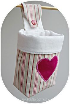 free sewing pattern for a small hanging storage basket