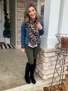 Incredible Olive Green Pants Outfit to Copy - Fashion, Home decorating Casual Fall Outfits, Fall Winter Outfits, Winter Teacher Outfits, Fall Outfits For Work, Casual Winter, Casual Jeans, Fashion Over, Look Fashion, Fall Fashion