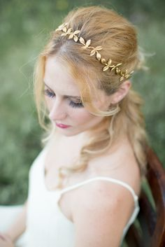 Petite Gold Leaf Crown from @acutedesigns