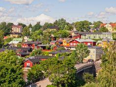 Porvoo ist die zweitälteste Stadt Finnlands und ihre lange Geschichte wird bei einem Spaziergang durch die reizvollen Altstadt nur zu offenkundig.