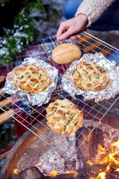 wintergrillen-diese-werden-immer-gehen/ delivers online tools that help you to stay in control of your personal information and protect your online privacy. Yummy Food, Tasty, Snacks Für Party, Food Items, Eating Habits, Finger Foods, The Best, Dinner Recipes, Drink Recipes