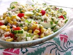 Rice and vegetables salad Cold Vegetable Salads, Vegetable Smoothies, A Food, Good Food, Food And Drink, Yummy Food, Le Diner, Healthy Salad Recipes, International Recipes
