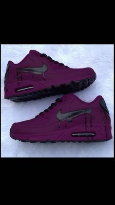 Cute Nike Shoes, Black Nike Shoes, Nike Shoes Outfits, Nike Air Shoes, Purple Sneakers, Cute Sneakers, Purple Shoes, Shoes Sneakers, Jordan Shoes Girls