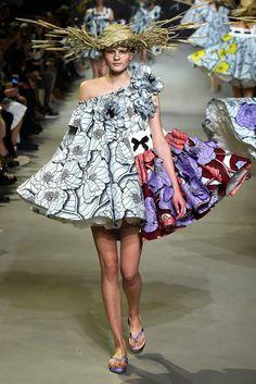Viktor & Rolf Spring 2015 Couture