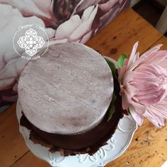 Bark effect on the top tier of the Protea wedding cake Protea Wedding, Tiered Cakes, How To Make Cake, Cake Designs, Wedding Cakes, Desserts, Top, Cake Templates, Wedding Gown Cakes