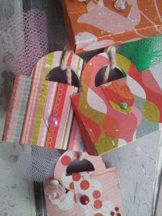 Super schattige tasjes Made by Mooz !! De stanzen zijn te koop op www.creatiefdoen.nl