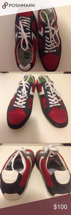 Hugo Boss men's sneakers Never worn Hugo Boss men sneakers! Has some suede details on it !😍 Hugo Boss Shoes Sneakers