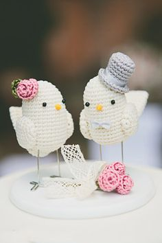 Trendy wedding gifts for bride and groom to make cake toppers ideas Crochet Patterns Amigurumi, Crochet Toys, Crochet Stitches, Knit Crochet, Crochet Birds, Love Crochet, Crochet Animals, Wedding Gifts For Bride And Groom, Bride Gifts