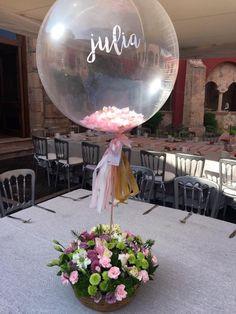 Táto žena vzala obyčajnú kuchynskú drôtenku a takto ju nat Baptism Centerpieces, Balloon Centerpieces, Balloon Decorations, Birthday Decorations, Wedding Decorations, Baptism Party, Baby Party, Table Cadeau, Balloon Flowers