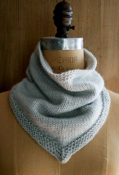 New Cashmere Bandana Cowl! - The Purl Bee - Knitting Crochet Sewing Embroidery Crafts Patterns and Ideas! Im knitting this now! Purl Bee, Knitting Patterns Free, Knit Patterns, Free Knitting, Free Pattern, Knitting Stitches, Sweater Patterns, Knitting Tutorials, Vintage Knitting
