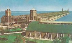 Stop 7: Navy Pier. Navy Pier has had many lives over the years. From 1946 until 1965, it was home to the Chicago campus of the University of Illinois, and this 1960 postcard view gives a sense of just how long the place really is. The large building on the right is a military drill hall left over from the Pier's wartime conversion to use as a training center for Navy fighter pilots, the most famous of which was George H. W. Bush. ChicagoBart606.