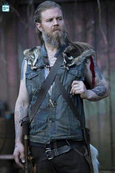 On set of Outsiders! Outsiders Tv Show, Ryan Hurst, Remember The Titans, Sally Ann, Addicted Series, Walking Dead Season, Black Mamba, Sons Of Anarchy, Me Tv