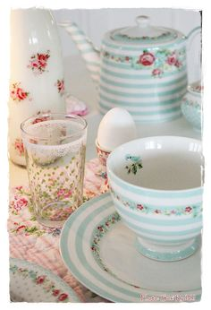 Pinning this to LOOK at it. Love the sweet dishes.  Look at this link. What is GreenGate? So pretty!    http://pinterest.com/sommerhusliv/beautiful-photos-of-green-gate/