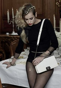 Have you seen My friend Boy created by Karl Lagerfeld to show off Alice Dellal and his Boy bag collection? Now here's the ad campaign. Alice Dellal for Chanel Boy Collection by Karl Lagerfeld Alice Dellal, Gq, Rihanna, Moda Punk, Looks Style, My Style, Gabrielle Bonheur Chanel, Mode Chanel, Chanel Chanel