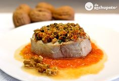 Una receta que es una auténtica fuente de salud, Bonito del Norte (pescado azul), el tomate natural y las nueces de California. Sabrosa, muy fácil de preparar y incluso bien de precio, en este caso lo bordamos con un plato saludable y lleno de salud.