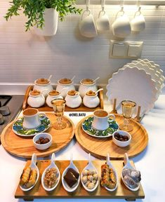 G r nt n n olas i eri i yiyecek Food Platters, Food Dishes, Food Decoration, Breakfast Lunch Dinner, Vegan Recipes Easy, Food Presentation, Food Design, Food Items, Food Hacks