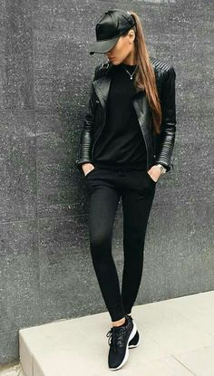 40 Brilliant Black Leather Jacket Ideas For Women Leather Jacket Outfits 2020 All Black Outfits For Women, Black And White Outfit, Black Women Fashion, Look Fashion, Clothes For Women, Womens Fashion, All Black Outfit Casual, Black Sneakers Outfit, Black Leather Jacket Outfit