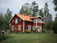 〚 Wonderful Swedish country cottage with soulful interiors, where the time has stopped 〛 ◾ Photos ◾Ideas◾ Design Swedish Farmhouse, Swedish Cottage, Swedish Decor, Swedish House, Swedish Style, Cottage Chic, Scandinavian Cottage, Scandinavian Architecture, Red Houses