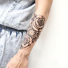 "423 Likes, 8 Comments - Maksim Lopez (@maksimlopez) on Instagram: ""Mandala & Roses. Part 3. Merci Charlotte !!!! Et allez les bleus !! ⚽️ #tattoo #linework #artwork…"""