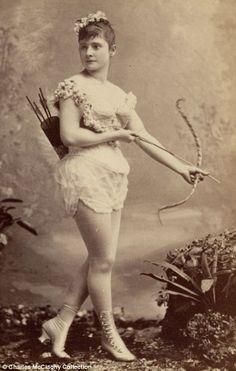 1890 burlesque dancer