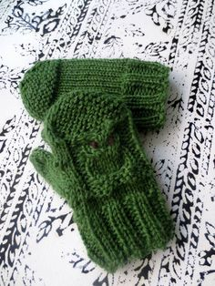 Hand knit toddler mittens   www.etsy.com/au/shop/madewise  www.instagram.com/made_wise www.facebook.com/madebywise