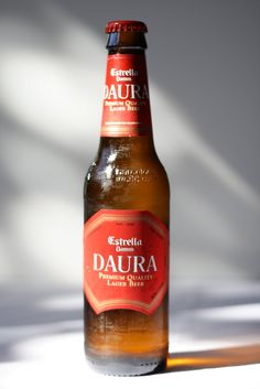Estrella Damm Daura ABV: Style: Pale Lager One of those beers you could be drinking and not realize it's gluten-free. This is a good-tasting beer, and has a lot of true beer flavors that gluten-free people always say they miss. Gluten Free Beer, Gluten Free Grains, Gluten Free Recipes, Lager Beer, Beer Brewing, Beverages, Drinks, How To Make Beer, Ale