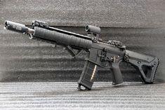 Sig Sauer P226, Heckler & Koch, Arsenal, Best Handguns, Guns And Ammo, Weapons Guns, Shooting Targets, Military Guns, Cool Guns