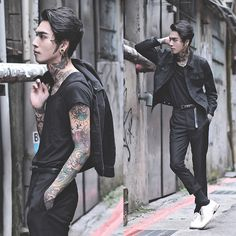 Build beautiful, simple, free moodboards for sharing designs, inspiration, and ideas quickly and easily! Androgynous Fashion, Punk Fashion, Gothic Fashion, Fashion Outfits, Japanese Punk, Japanese Fashion, Andy Biersack, Goth Guys, Poses