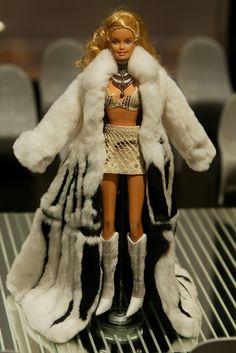 Barbie Doll Dress Up
