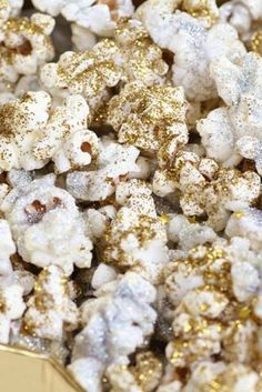 glitter popcorn - 14 Ways to Cook with Glitter (Because You Can, Dammit) via @PureWow