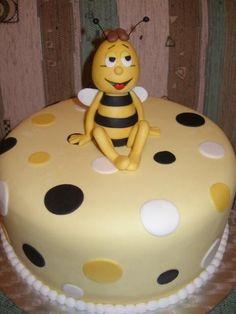 Bumble - bee Vilko — Children's Birthday Cakes
