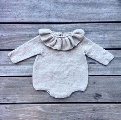 Ravelry: Pearl romper pattern by Pernille Larsen Kids Knitting Patterns, Knitting For Kids, Baby Knitting, Crochet Baby, Baby Girl Patterns, Baby Clothes Patterns, Fall Baby Clothes, Baby & Toddler Clothing, Winter Fashion Outfits