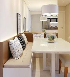 24 Tips for Decorating Your Apartment That Always Look Fantastic - Home Decor & Interior Design Condo Living, Home And Living, Small Apartments, Small Spaces, Dinner Room, Kitchen Benches, Small Dining, Cuisines Design, Sweet Home