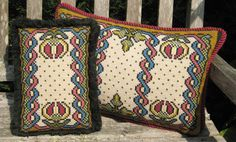 Perfect companions to our larger Morville pillow: small accent and lumbar back pillow kits in traditional colors